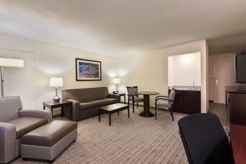 Holiday Inn Knoxville West - Cedar Bluff Photo