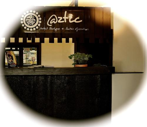 Aztic Hotel and Executive Suites Photo