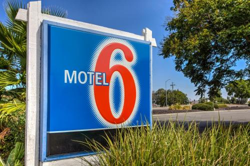 Motel 6 Vacaville Photo