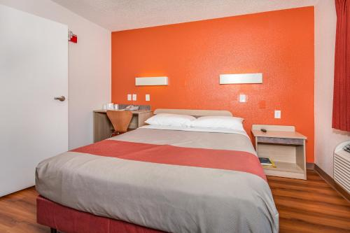 Motel 6 Fairfield North - Fairfield, CA 94533