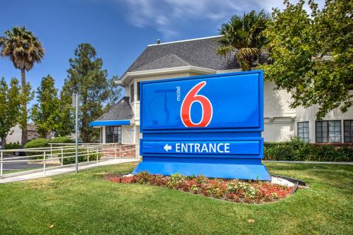 Motel 6 Fairfield North Photo