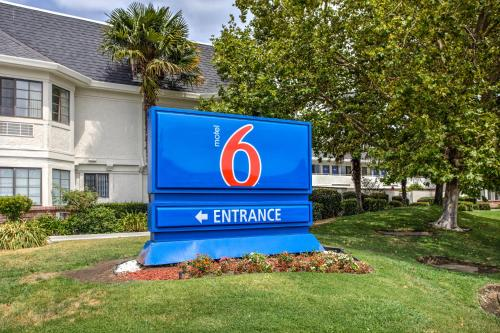 Motel 6 Fairfield North