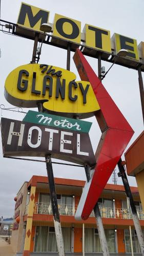 The Glancy Motel Photo