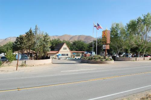 America's Tent Lodges Lake Isabella Photo