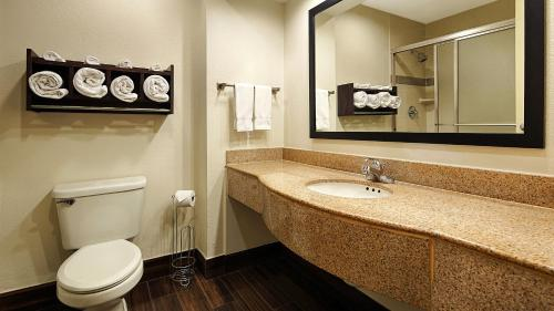 Best Western Plus Houma Inn - Gray, LA 70359