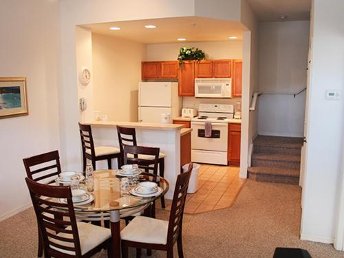 Townhome Yellowgold Road Photo