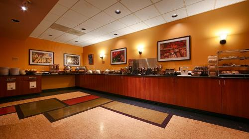Best Western Plus Executive Inn photo 6