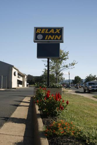 Relax Inn Front Royal Photo