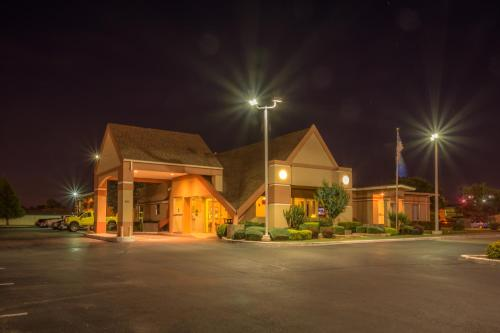 Howard Johnson Express Oklahoma City Photo