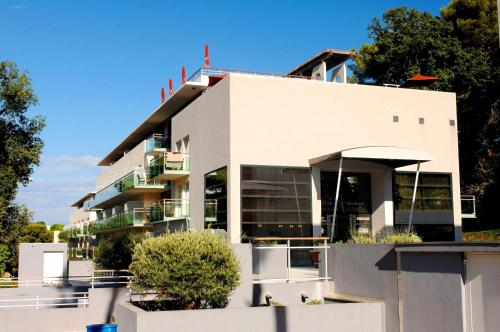 Appart 39 hotel odalys olympe antibes for Appart hotel odalys