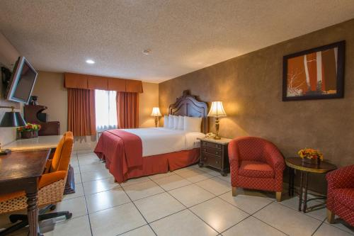 Quality Inn & Suites Near The Border Photo