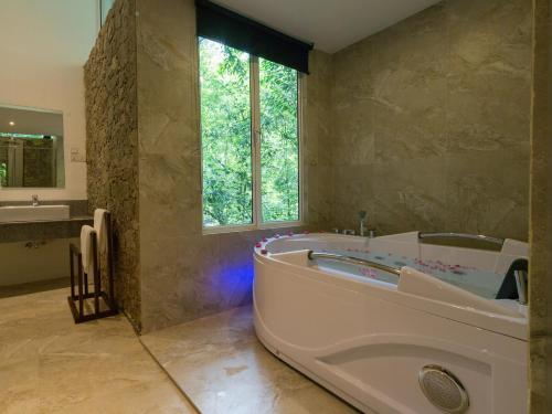 Palmstone Retreat Photo
