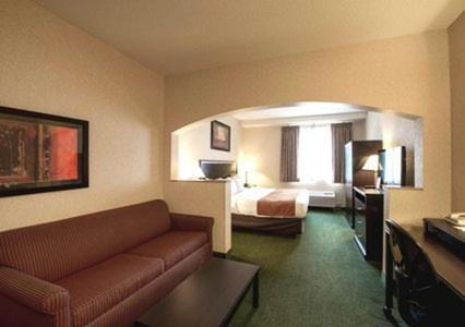 Comfort Suites Summit County Photo
