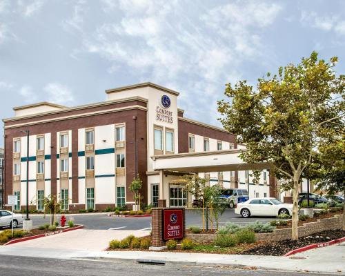Comfort Suites Woodland - Sacramento Airport Photo