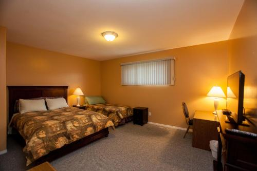 Midnight Sun Inn - Bed & Breakfast Photo