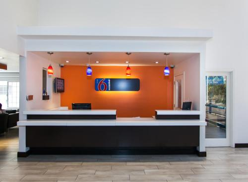 Motel 6 Hollywood photo 3