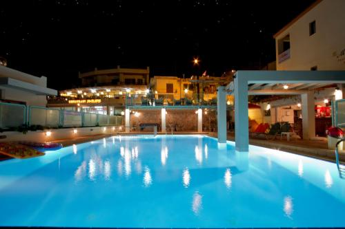 Mythos Platanias Apartments & Open Bar