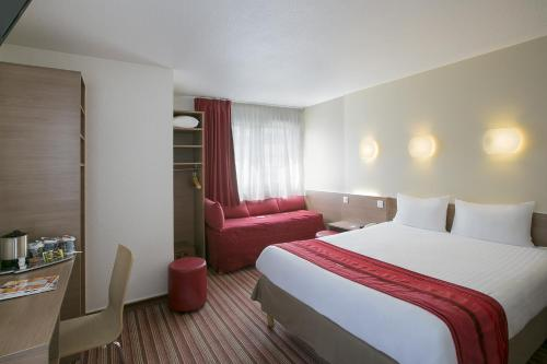 Kyriad Hotel Paris Bercy Village photo 9