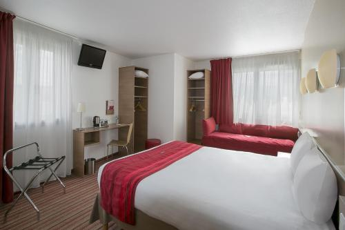 Kyriad Hotel Paris Bercy Village photo 24