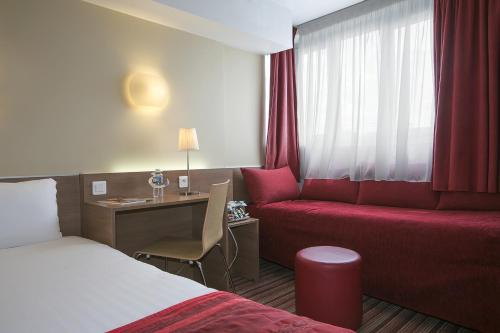 Kyriad Hotel Paris Bercy Village photo 26