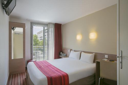 Kyriad Hotel Paris Bercy Village photo 28