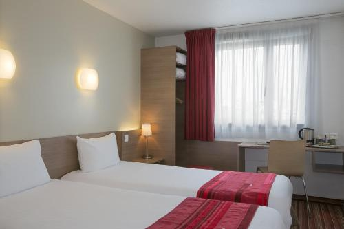 Kyriad Hotel Paris Bercy Village photo 22