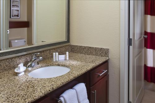 Residence Inn by Marriott Covington Northshore Photo