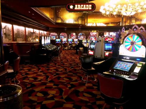 Gold Strike Hotel & Casino Photo