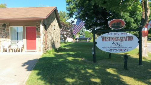 Westport Station Motel Photo