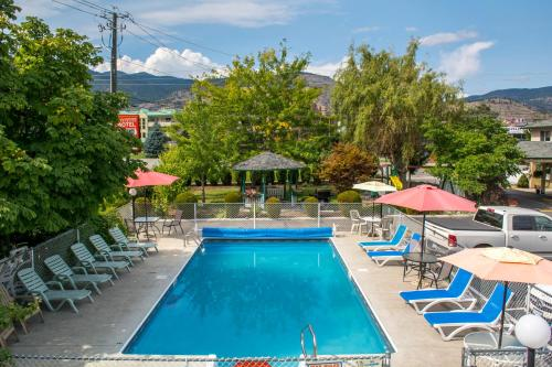 Traveler's Motel Penticton Photo