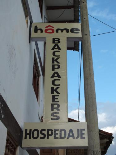 Home Backpackers Hostel Photo