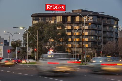 Гостиница «Rydges South Park Adelaide», Аделаида