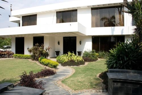 Day Dream Furnished Villa, Lahore