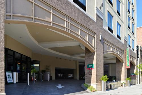 Courtyard by Marriott Wilmington Downtown/Historic District Photo