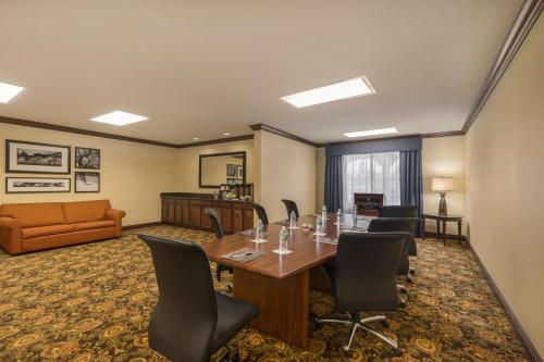Country Inn and Suites by Carlson Port Orange Photo