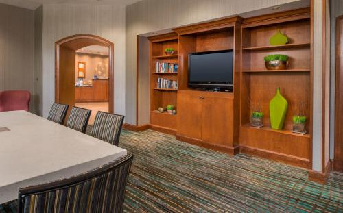 Residence Inn Chesapeake Greenbrier Photo