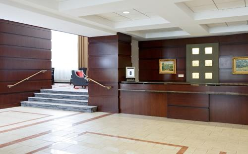 College Park Marriott Hotel and Conference Center Photo