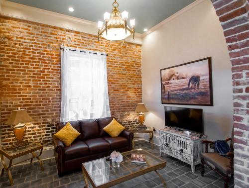 Picture of French Quarter Luxury Two-Bedroom Suite 1204