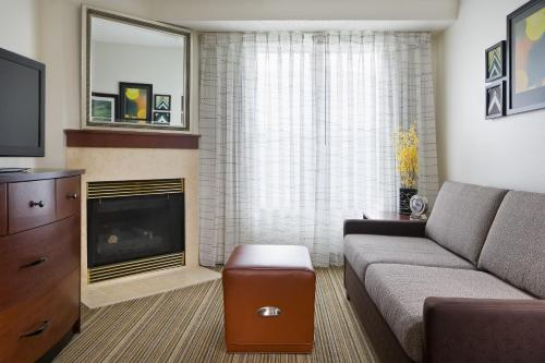 Residence Inn by Marriott Houston The Woodlands/Lake Front Circle Photo