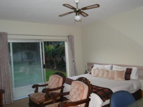 Bluewater Beach Accommodation Photo