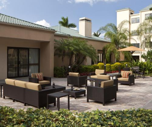 Courtyard Miami Airport West/Doral Photo