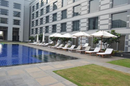 http://www.booking.com/hotel/in/grand-hyatt-residences.html?aid=1728672