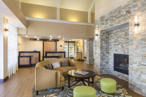 Homewood Suites Grand Rapids Photo