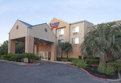 Fairfield Inn & Suites By Marriott Beaumont - Beaumont, TX 77705