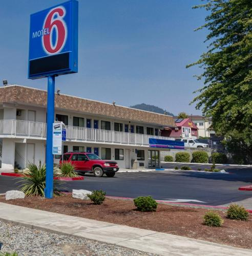 Photo of Motel 6 Grants Pass hotel in Grants Pass