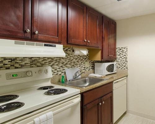 Suburban Extended Stay Hotel Worcester Photo