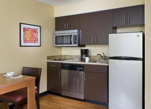 TownePlace Suites Houston Brookhollow photo 6