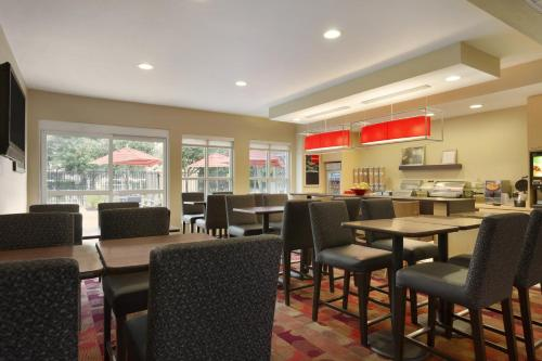 TownePlace Suites Houston Brookhollow photo 13