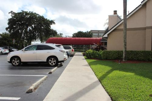 Doral Inn & Suites Miami Airport West Photo
