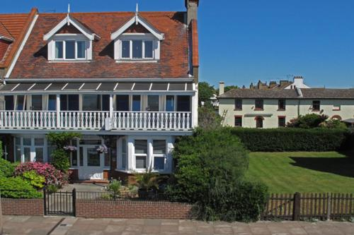 Beaches Guest House Southend on Sea